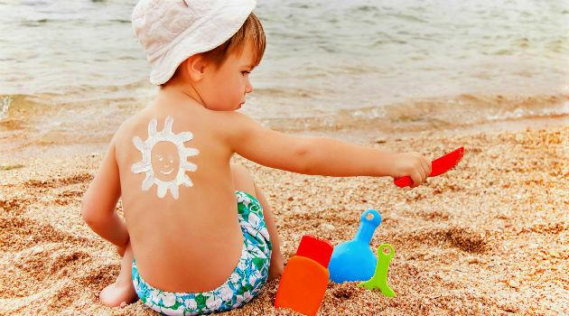 cuidados com criança na praia